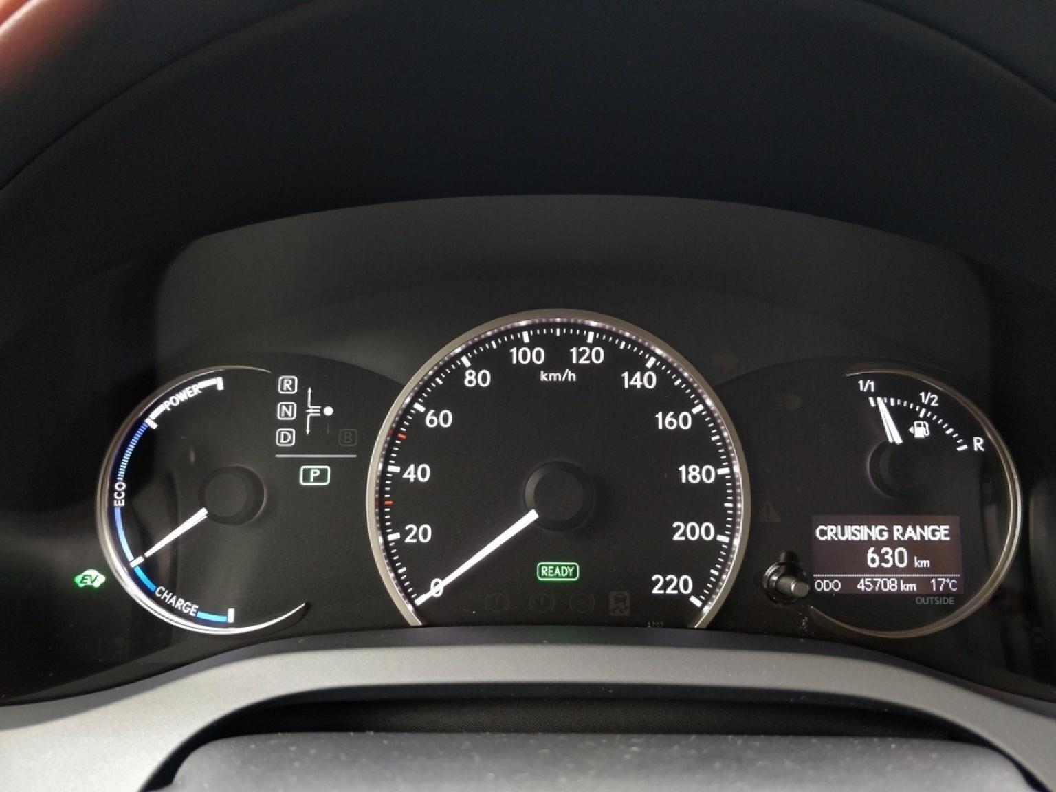 Lexus-CT-9